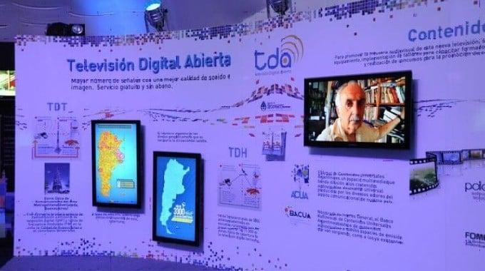 Stand informativo de señales para TDA en Tucumán (2011)