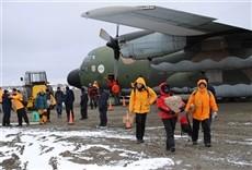 Escena de Argentinos en la Antártida