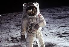 Serie De la Tierra a la Luna
