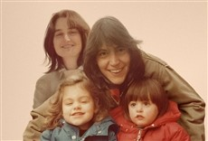 Serie Nuclear Family