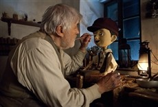 Escena de Pinocho y su amiga Coco