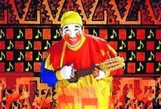 Escena de Piñon Fijo y la magia de la música