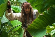 Escena de Piratas del caribe: navegando aguas misteriosas