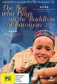 Ver película El niño que juega sobre los Budas de Bamiyán