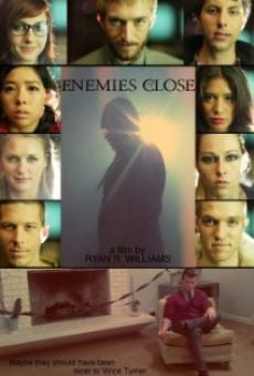 Película: Enemies Close