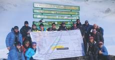 Película Conquering Kilimanjaro