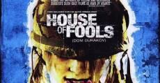 La casa de los engaños (La casa de los locos) streaming