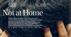Película Not at Home